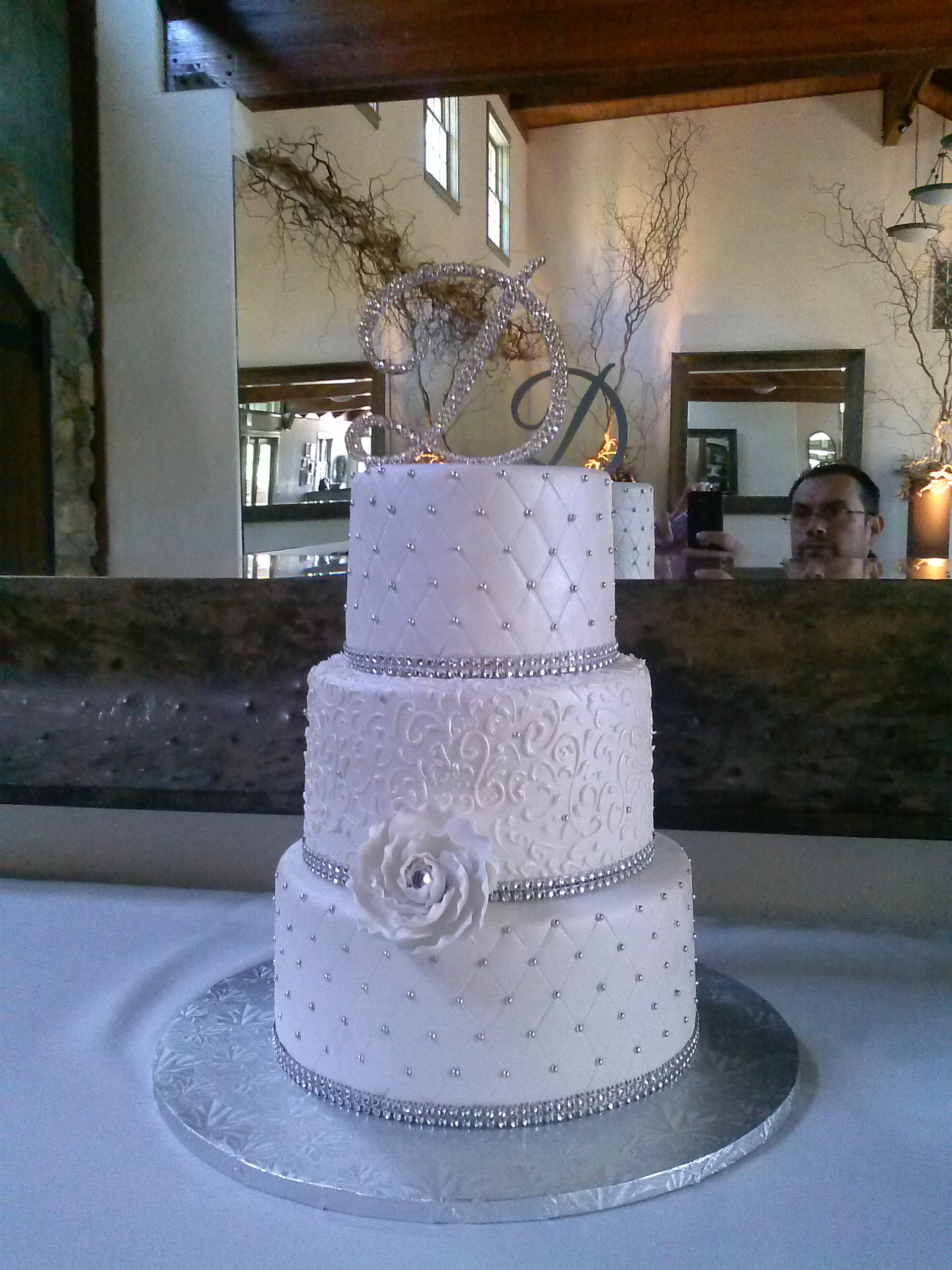 Beautiful Silver Wedding Cake Ideas Suggestion
